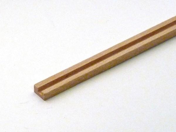 Nutleiste aus Buchenholz mit einer Nut