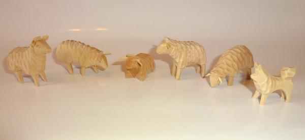 Schafherde mit Hund - geschnitzt