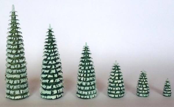 Ringelspanbaum grün/weiß aus Lindenholz