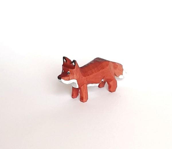 keiner Fuchs stehend - farbig